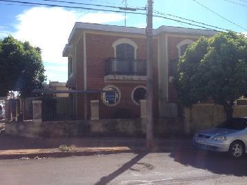 Jaboticabal Centro Casa Venda R$1.200.000,00 4 Dormitorios 1 Vaga Area do terreno 194.00m2 Area construida 255.00m2